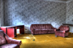 Du gout pour la moquette (urban requiem) Tags: old urban green abandoned germany lost deutschland hotel decay vert couch salon armchair overlook exploration derelict allemagne hdr verlassen canap fauteuil urbex htel abandonn 600d chambredhotel hoteloverlook
