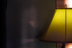 lamp pequeno slide (johngpt) Tags: window lamp fujifilmxt1 fotodioxfdfxadapter kiron105mmf28macrofdmount