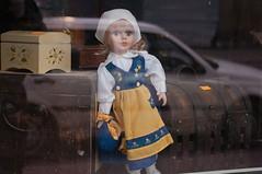 Lalka (JimInEuropa) Tags: window shop okno sklep miejski biaapodlaska strj podlesie tutejszy