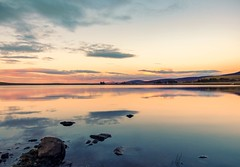 Lovely sunset colors (Dimitris&Ruze) Tags: longexposure sunset water atardecer scotland pentax outdoor escocia reflexions peacefulplace softcolors waterreflexions