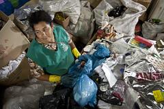 MDS_MC_130328_0024 (brasildagente) Tags: brasil retrato mulher lixo reciclagem riograndedosul sul mds coletaseletiva novohamburgo 2013 governofederal recicladores bolsafamilia minhacasaminhavida marcelocuria ministeriododesenvolvimentosocialecombateafome