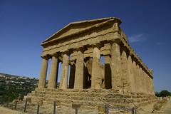 2016-04-17_15-34-42-Nikon D800 (Bernhard Kvaal) Tags: italy valley temples sicily sicilia agrigento