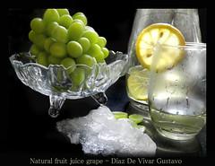 Natural fruit juice grape - Diaz De Vivar Gustavo (Diaz De Vivar Gustavo) Tags: natural fruit juice grape diaz de vivar gustavo jugo uvas fresco y casero limon hielo cubos jarra vaso cocina bebida tomar beber nature naturalmente vitaminas sabroso dulce diurético grapes