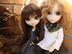 Michelle Beauvoir y Jean Dubois (Lunalila1) Tags: family doll jean michelle groove pullip sesion prunella dubois gyro beauvoir taeyang junplaning
