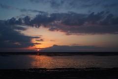 PL600365  Ariake Bay Sunset (Keishi Etoh rough-and-ready photoglaph) Tags: sunset pen cosina olympus mf voigtlnder  30mm omuta   manualfocuslens microfourthirds ariakebay epl6 olympuspenliteepl6 voigtlndersuperwideheliar15mmf45aspherical