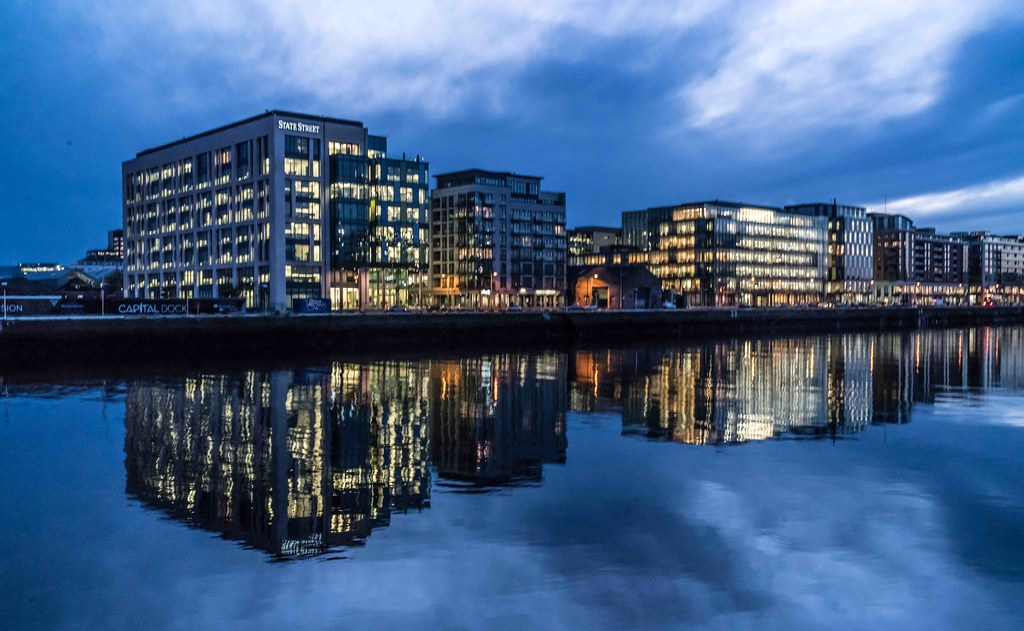 DUBLIN DOCKLANDS AT NIGHT [JANUARY 2016]-110801