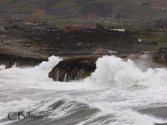 P1020106 (Cintia Billmaier.) Tags: strand mar meer marejada playa welle ola cantabria suances arbolada lumixtz60