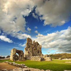 ogmore_castle_3 (philfitzsimmons.co.uk) Tags: sea castles beach wales coast ogmore bridgend