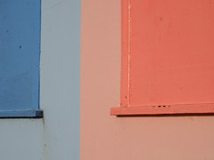 Blue / Pink (only lines) Tags: pink blue beachhuts folkestone