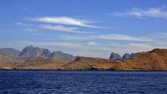 acque azzurre ... (miriam ulivi) Tags: sea nature mare cliffs oman fiord fiordo scogliere musandam nikond3200 khasab miriamulivi