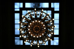 AD8A0244_p_g (thebiblioholic) Tags: newyorkcity chandelier gct grandcentralterminal wps