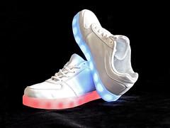 Les Baskets d'Aurore (LT.:.) Tags: basket led lumiere blanc diode chaussure