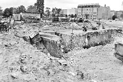 Excavating Hitlers bunker in Berlin 1988.(1261X839 #HistoryPorn #history #retro http://ift.tt/1RHiShK (Histolines) Tags: berlin history retro bunker timeline hitlers excavating vinatage historyporn histolines 19881261x839 httpifttt1rhishk