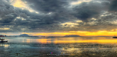 A beautiful morning sunrise (Ah Wei (Lung Wei)) Tags: panorama sunrise nikon georgetown malaysia penang sunrises 海岸 海 日落 風景 goldenhour 天空 水 北海 butterworth jelutong penangisland penangbridge 海洋 日出 全景 pulaupinang 马来西亚 georgetownpenang my 戶外 inexplore 槟城 岸邊 flickraward tokina1116mmf28 tokina1116mm 槟城大桥 乔治市 nikond7000 安詳 bandarsripinang 黄金时间 karpalsinghdrive lebuhsungaipinang 加巴星大道 ahweilungwei persiarankarpalsingh