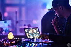 DJ (Schuchardts') Tags: light party club lampe lowlight mac gm dj im g sony 14 vinyl lila master cap pro service scratch platte mainz 85 available rockit pult gottesdienst schallplatte schon auflegen schn basis macbook schonschn a7rii a7r2