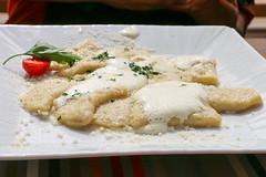 IMG_0691_schlutzkrapfen_cafe_restaurant_val_d'anna_Sankt_Ulrich_Sudtirol (letizia.lorenzetti) Tags: italien restaurant sdtirol altoadige valgardena schlutzkrapfen grdental sanktulrich reisememoch cafvalsanna