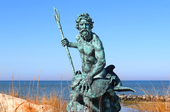 Neptune rises (On Explore 4/22/2016) (die Augen) Tags: neptune statue cape charles seascape canon sl1 blue sand grass va wow brilliant orposeidon