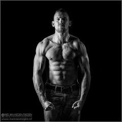 Building a body (Passie13(Ines van Megen-Thijssen)) Tags: portrait blackandwhite bw man muscles canon power zwartwit body fineart strong sw mann portret zw muskeln studioshoot inesvanmegen inesvanmegenthijssen