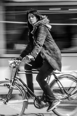 _MG_6294 (SZZO) Tags: mujer bicicleta invierno barrido