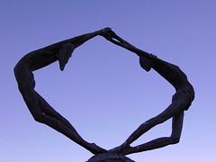 gli opposti si attraggono (samuele.dangelo) Tags: blue winter sky lake black love statue architecture couple december sunny ceresio