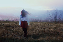 The Disappearance of the Girl (Silvia Travieso G.) Tags: blue red nature girl tristeza die wind wait fade safe conceptual shards lament disappearance decompose disappear vanish desaparecer desaparicin phildel silviatravieso
