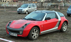 Smart Roadster (The Rubberbandman) Tags: auto red sports smart car sport modern germany mercedes benz outdoor german vehicle bremen coupe sporty coup compact daimler hatchback fahrzeug roadster forfour sportwagen