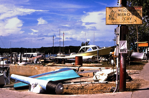 "Bahamas 1989 (469) Abaco: Man-O-War Cay • <a style=""font-size:0.8em;"" href=""http://www.flickr.com/photos/69570948@N04/24323200994/"" target=""_blank"">View on Flickr</a>"