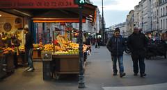 Rue Saint Antoine, Paris (smooth.bokeh) Tags: street paris saint rue antoine picerie zeiss50mmf14cy