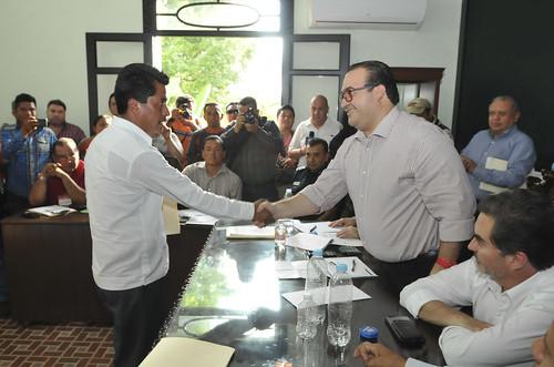 El gobernador Javier Duarte se reunió con miembros del gabinete