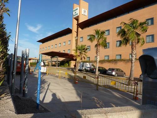 "Supercargador de Tesla Motors en Paterna-Valencia (7) <a style=""margin-left:10px; font-size:0.8em;"" href=""http://www.flickr.com/photos/128385163@N04/25140054179/"" target=""_blank"">@flickr</a>"