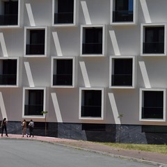 O andar modelo (TheManWhoPlantedTrees) Tags: windows building arquitetura architecture chess braga janelas arquitecturaportuguesa nikond3100 tmwpt