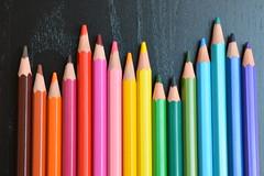 Des hauts et des bas en couleur (AmandIne Chld) Tags: crayon couleur
