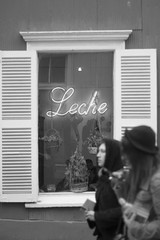 Leche! (jorge latrille) Tags: chile blackandwhite blancoynegro valparaiso blackwhite milk leche cerroalegre