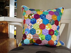 Scrappy hexagon pillow (ompompali Claudia) Tags: pillow quilting hexagon patchwork cushion patchworkcushions hexies quiltedpatchwork
