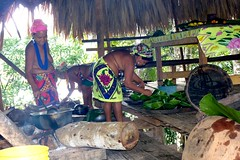 Embera Indian Ladies Cooking Lunch, Jungles of Panama (Joseph Hollick) Tags: jungle panama embera emberaindians