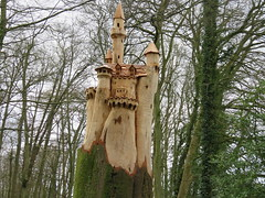 UK - Gloucestershire - Cotswolds - Near Painswick - Rococo Garden - Tree carving of Neuschwanstein Castle (JulesFoto) Tags: uk england castle cotswolds gloucestershire neuschwanstein painswick treecarving rococogarden