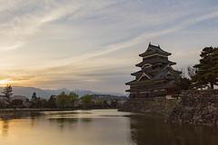 Matsumoto Castle (WonderAkira51) Tags: sunset castle architecture nationaltreasure