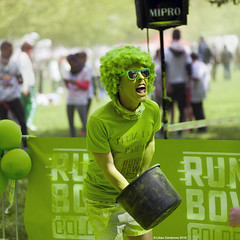 Run'Bow Colors #5 (LilFr38) Tags: people france color green grenoble fun run vert course personnes couleur gens canonef85mmf18 isre lilfr38 canoneos5dmarkii runbowcolors brainiacchevelle