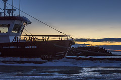 Fishing soon? (Danny VB) Tags: christmas winter sunset sky sun snow canada cold ice set clouds port canon eos soleil boat fishing waiting frost december hiver noel qubec neige 25th whitechristmas froid lever leverdesoleil 6d gaspsie 2015 granderivire canon6d noelblanc canoneos6d ef70200mmf28lisiiusm canonef70200mmf28lisiiusm canadiensunset waitingattheport canadienwinter