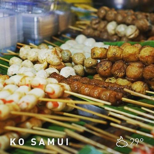Море дешевой и вкусной еды. Рынок Ламаи. #самуи #таиланд #белорусывазии #минск #foodporn #thaifood #еда