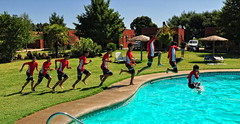Secuencia (Ennio Pereira R.) Tags: boy summer water jump agua piscina nadar heat verano salto nio calor swimm chapuzn