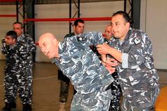 22/02/2016 Cascos azules espaoles forman y entrenan a policas libaneses. Traslado de detenidos. Foto: EMAD. (Ministerio de Defensa) Tags: libano lbano unifil libaneses finul