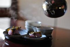 Kansai style sakura mochi (Anutasclera) Tags: sakura kansai wagashi sakuramochi japanesesweets japanesetea  wazuka