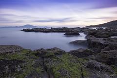De Europa a frica (mlorenzovilchez) Tags: mar europa cdiz algeciras puntacarnero frica largaexposicin estrechodegibraltar nd1000 efectoseda