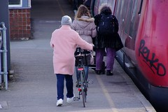 To the train (os♥to) Tags: sony alpha77 a77 slt march2016 bike bicycle cykel fahrrad bici vélo velo bicicleta fietssykkel rower street streetphotography candid people