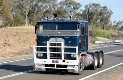 Kenworth (quarterdeck888) Tags: nikon flickr transport frosty semi lorry trucks express kw logistics kenworth bigrig overtheroad haulage quarterdeck vintagetrucks oldtrucks cabover class8 heavyvehicle truckshow cartage roadtransport humehighway heavyhaulage highway31 truckies d7100 highwaytrucks aussietrucks australiantrucks historictrucks expressfreight australiantransport freightmanagement truckdisplay jerilderietruckphotos jerilderietrucks outbacktrucks crawlingthehume truckexpo quarterdeckphotos oldhighwaytrucks australianinterstatetrucks cralinthehume crawlingthehume2016