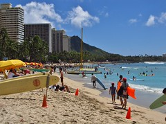 Honolulu, Hawaii (Jasperdo) Tags: beach hawaii sand diamondhead honolulu waikikibeach
