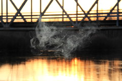 Smoke on the water (Attolrahc) Tags: sunset nature water canon eos dof bokeh outdoor smoke 60d canoneos60d canonefs18200mmf3556is