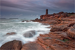 The last one ;) (guillaumez.wix.com/photographie) Tags: longexposure sunset lighthouse seascape france men rose landscape soleil coucher bretagne roadtrip pg breizh filter nd granite perros cote paysage soir phare hitech manche pl fil ploumanach ruz gnd guirec oceanscape menruz mefoto