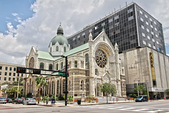 Sacred Heart Catholic Church - Tampa, Florida (Andrea Moscato) Tags: road street city sky usa building church car parish architecture clouds america us downtown strada day catholic view unitedstates roman vivid chiesa cielo vista architettura civiccenter citt statiuniti andreamoscato